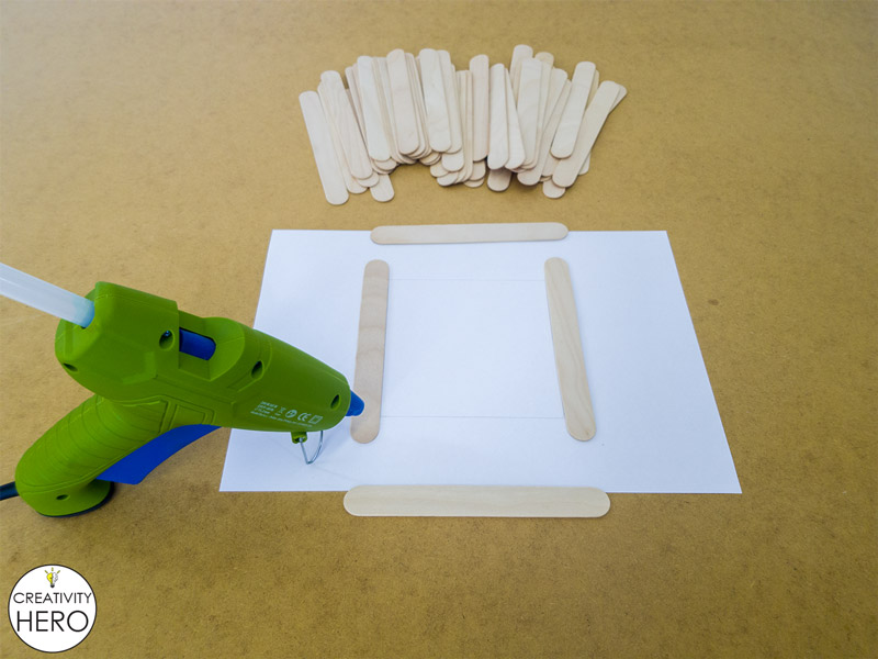 Simple DIY Picture Frame Using Popsicle Sticks 2