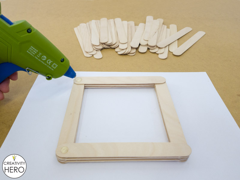 Simple DIY Picture Frame Using Popsicle Sticks 3
