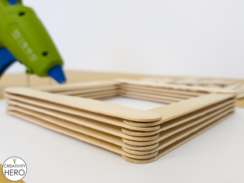 Simple DIY Picture Frame Using Popsicle Sticks 4