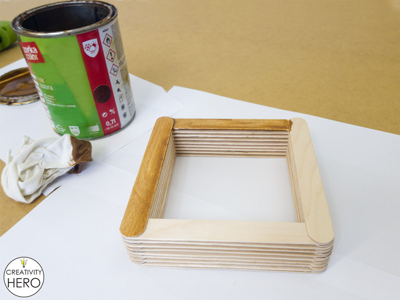 Simple DIY Picture Frame Using Popsicle Sticks 5