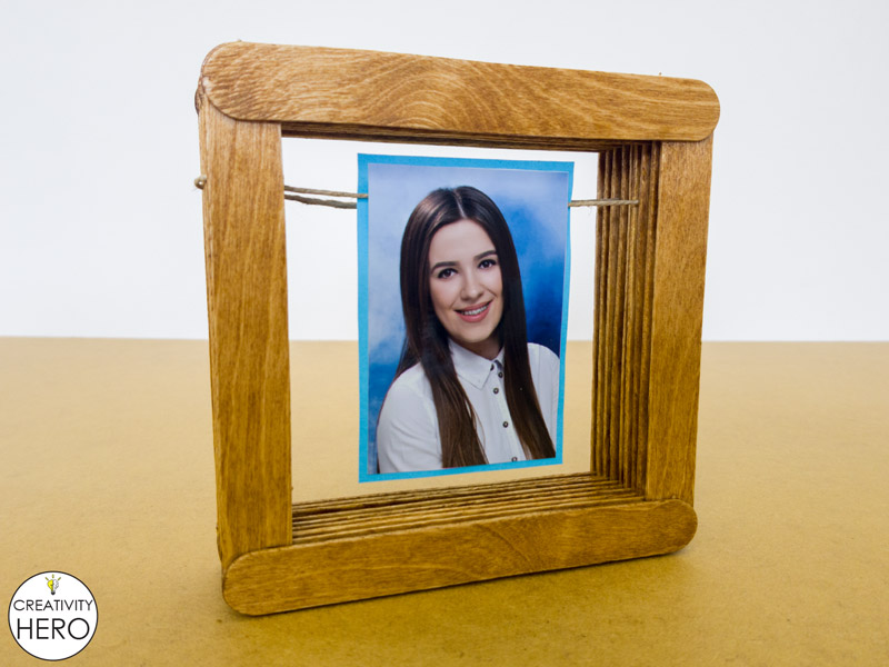 Simple DIY Picture Frame Using Popsicle Sticks 9