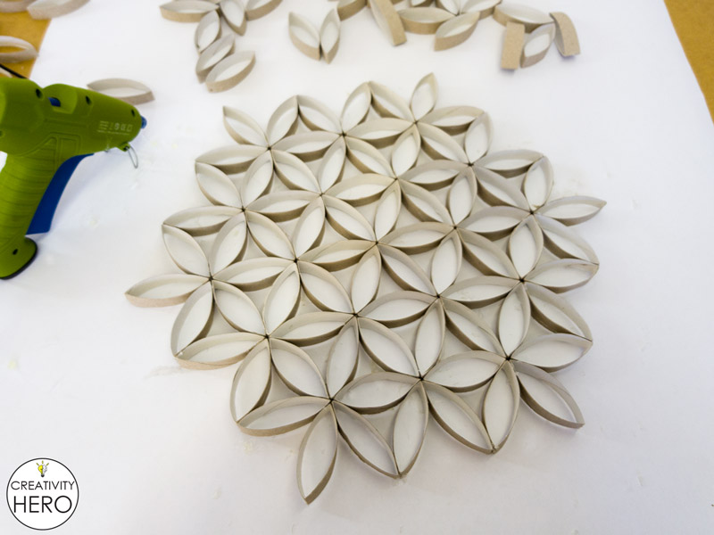 Wall Art How to Make Flower of Life Out of Toilet Paper Rolls 10