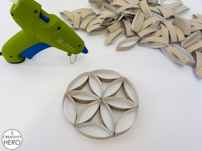 Wall Art How to Make Flower of Life Out of Toilet Paper Rolls 7