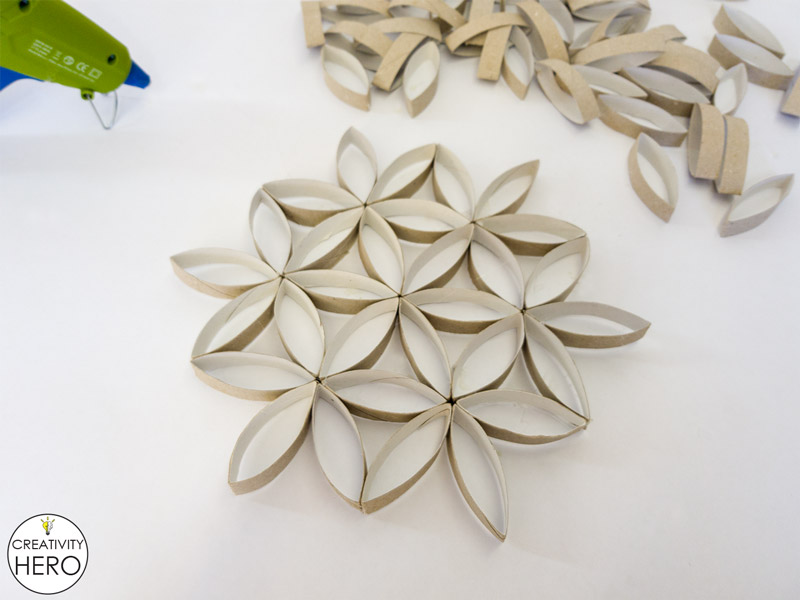 Wall Art How to Make Flower of Life Out of Toilet Paper Rolls 8