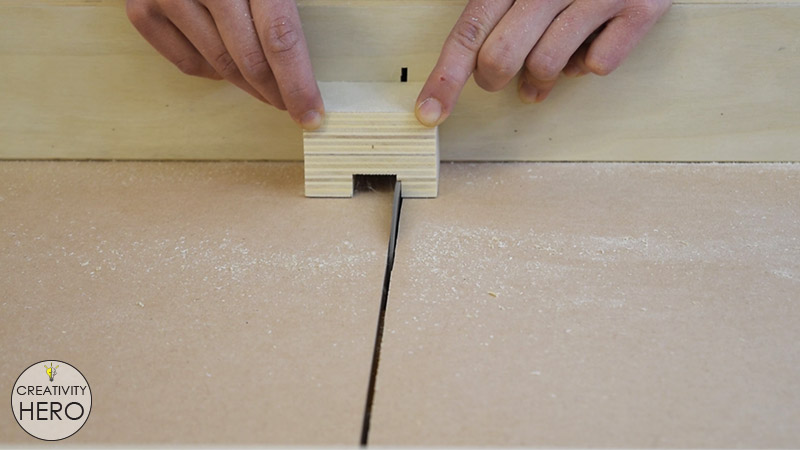 How to Make a Crosscut Sled with Flip Stop Block (Free Plans) 28