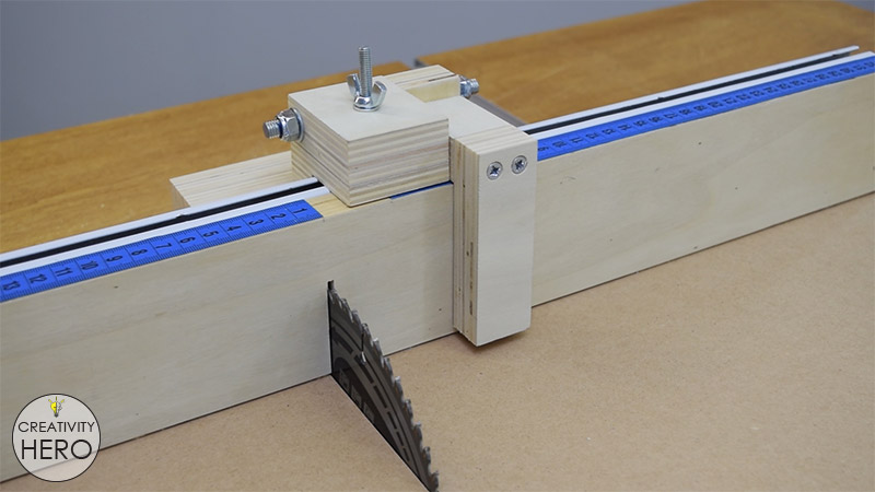 How to Make a Crosscut Sled with Flip Stop Block (Free Plans) 38